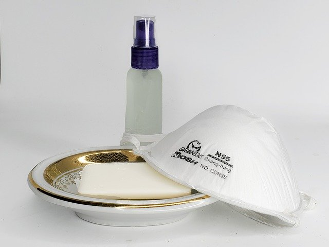 Mascherine e disinfettati contro il Coronavirus