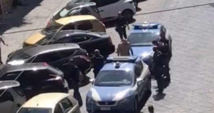 Napoli, rinviato a giudizio il poliziotto che sparò al cane di un pregiudicato