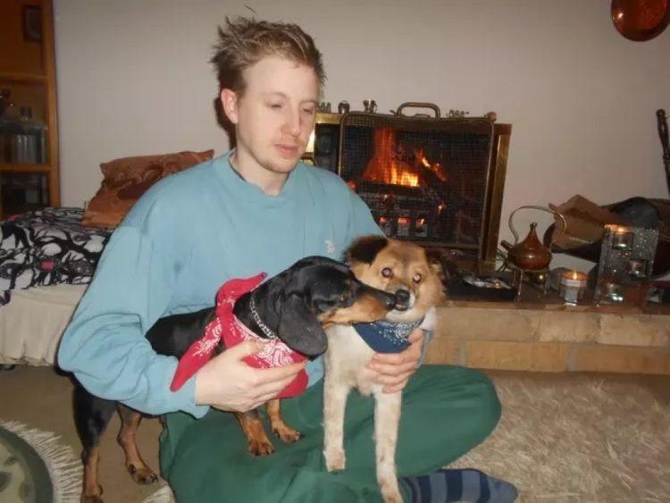 Dash salvato con un altro cane