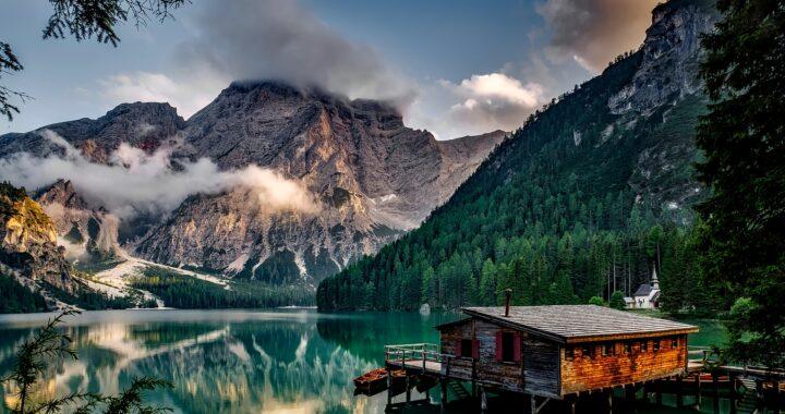 Alla scoperta del Lago di Braies, scorcio incantevole in Alto Adige