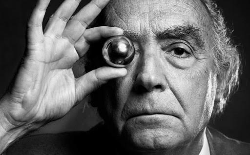 Cecità, di José Saramago è un capolavoro sempre attuale. Un libro che ci fa indagare sul nostro ruolo nella società contemporanea.