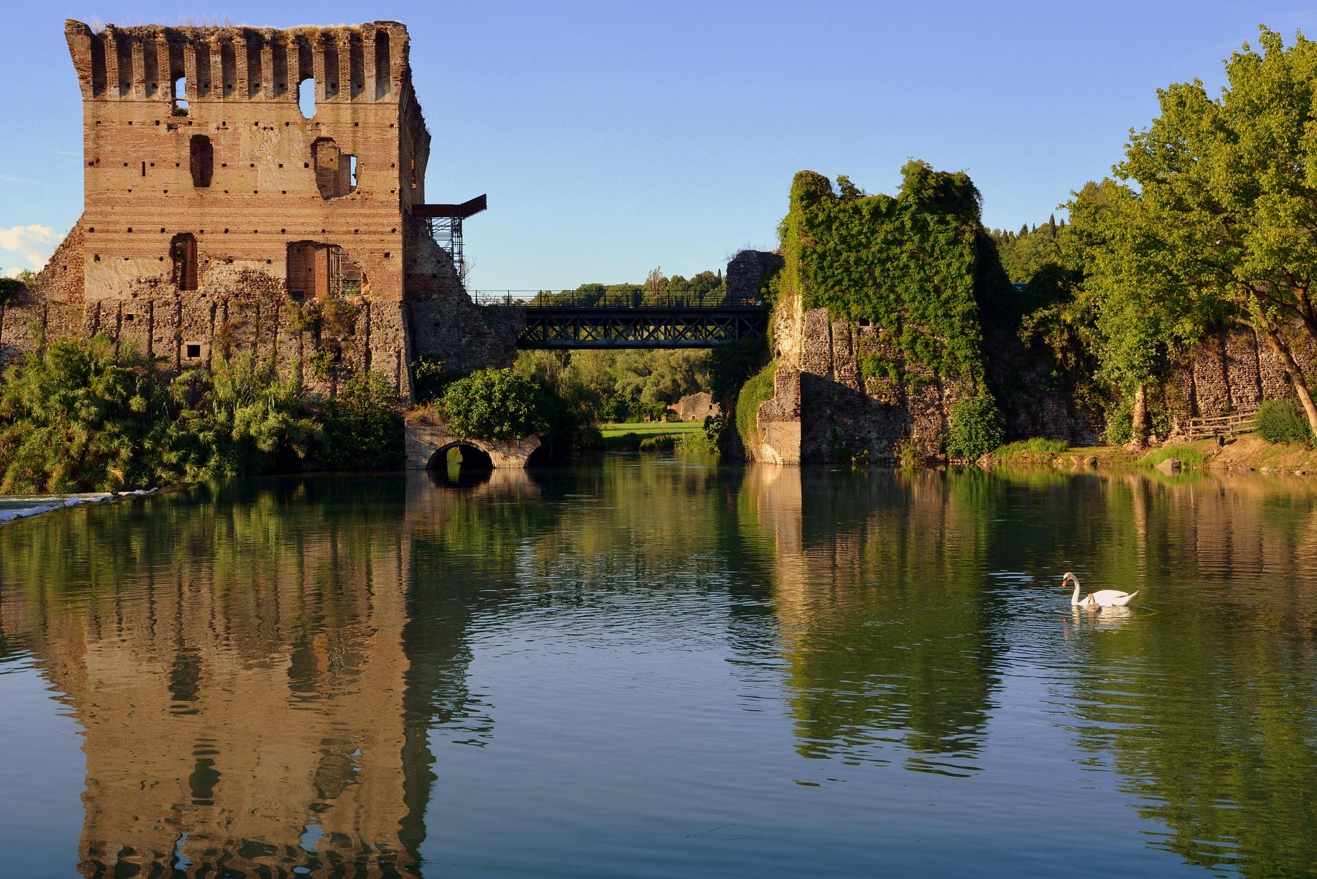 Esiste un posto in Italia dove la natura incontra la storia: benvenuti a Vialeggio sul Mincio, il borgo spettacolare d'Italia.