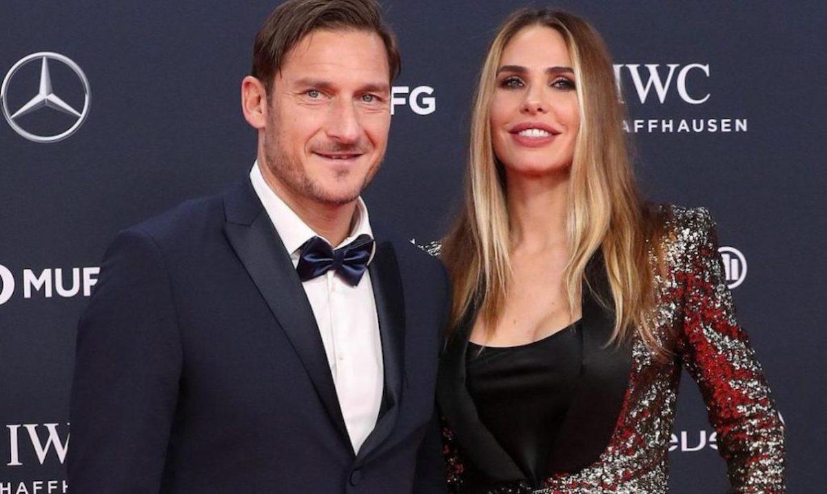 Ilary Blasi e Francesco Totti rispondono su Chanel