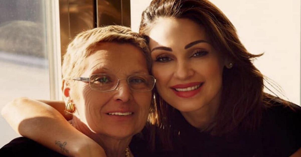 Anna Tatangelo ricoverata la mamma