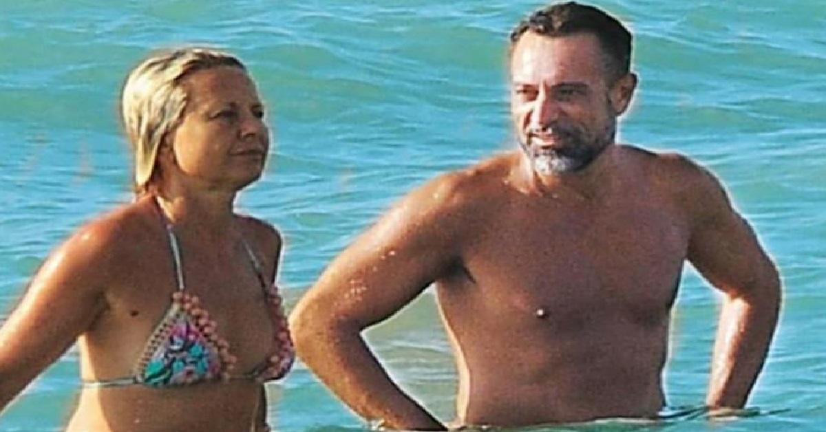 Antonella Elia in spiaggia con Pietro