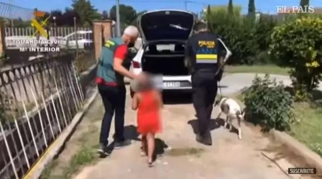 Ragazzina salvata dalla polizia