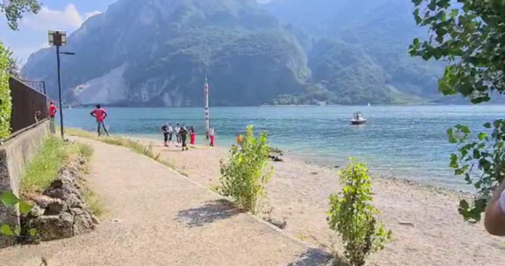 bambina dispersa nel lago