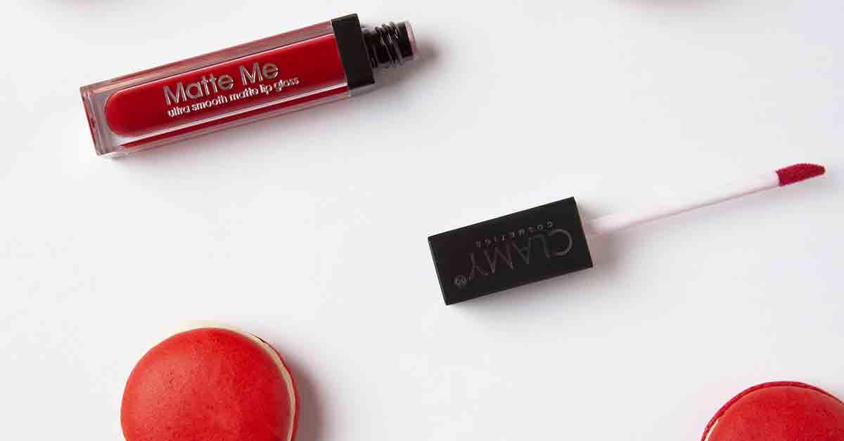 Come si applica il lip gloss