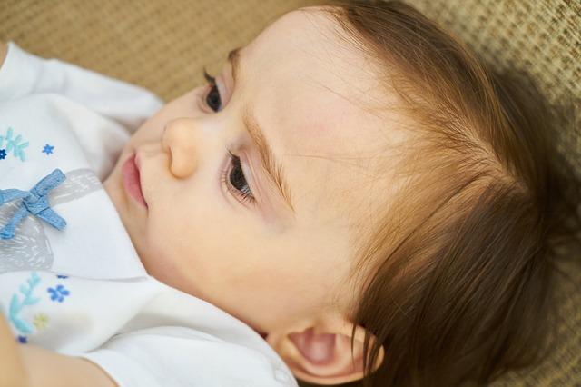 Bambino di 9 mesi