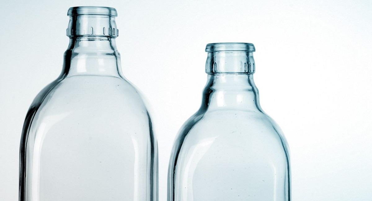 pulire bottiglie di vetro