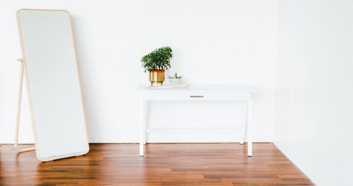 Specchi per arredare stanze e pareti: giochi di luce e consigli utili
