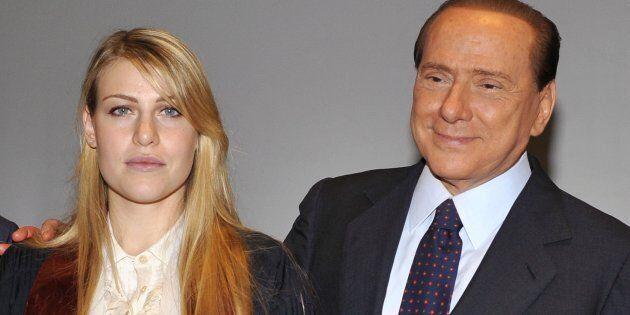 Berlusconi contro De Luca dice che la politica non è spettacolo