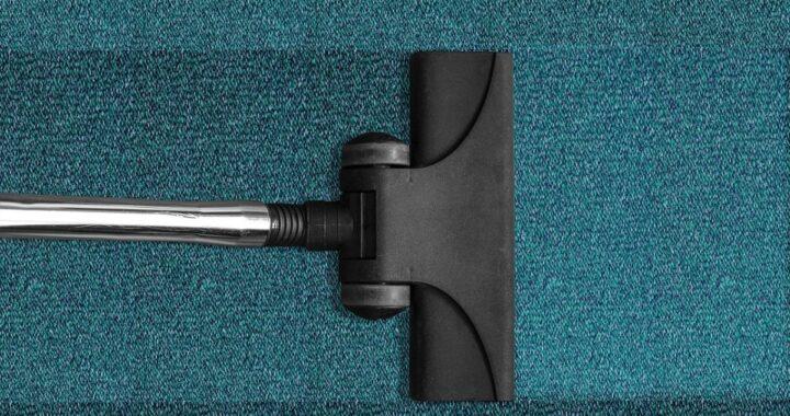 Come pulire l'aspirapolvere? Trucchi e indicazioni per farlo alla perfezione