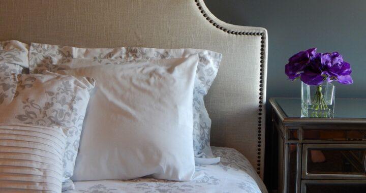 Come pulire i cuscini del letto