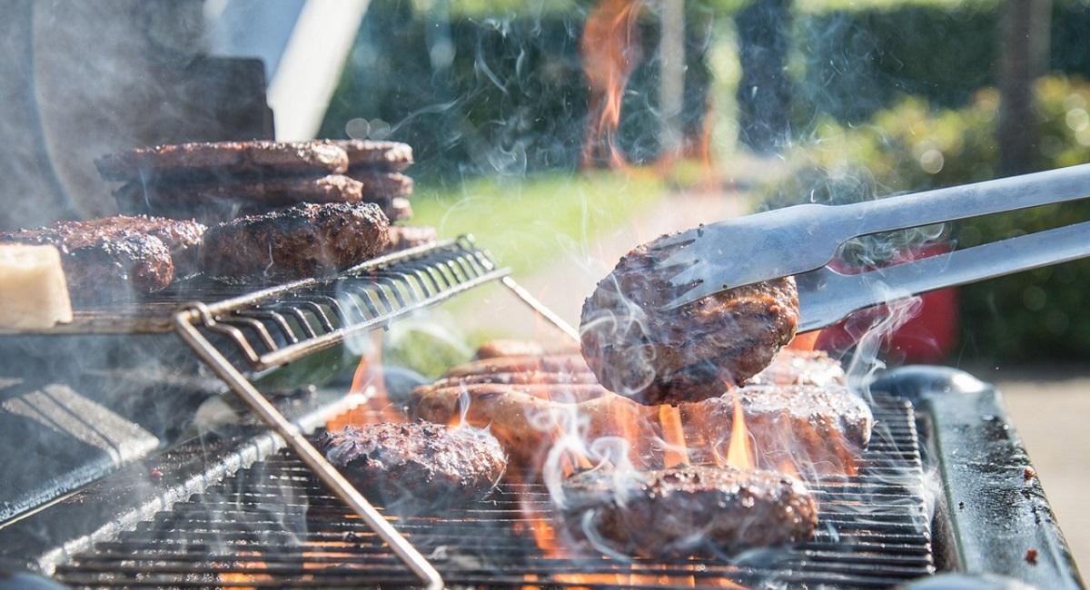 Come pulire il barbecue carbone
