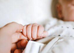 Bambina 7 mesi, Singh, morta soffocata