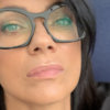 Ana Laura Ribas con occhiali, primo piano