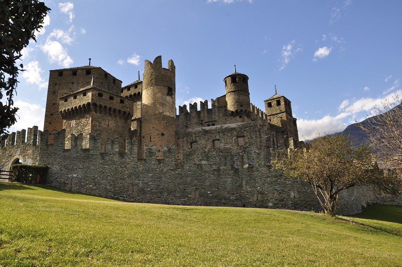 borghi-più-belli-valle -aosta- castello-fenis