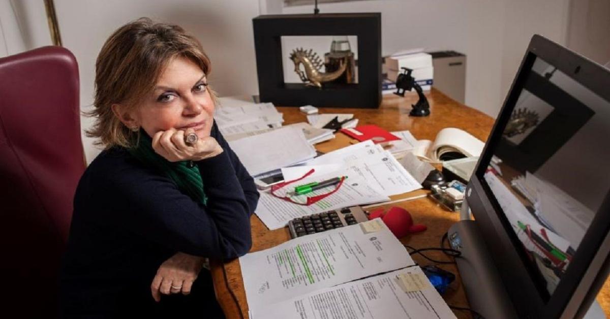 Augusta Iannini scrivania e computer