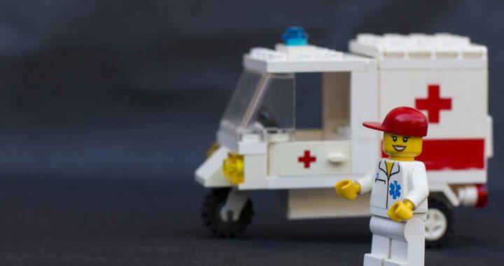 Ambulanza giocattolo per bambini