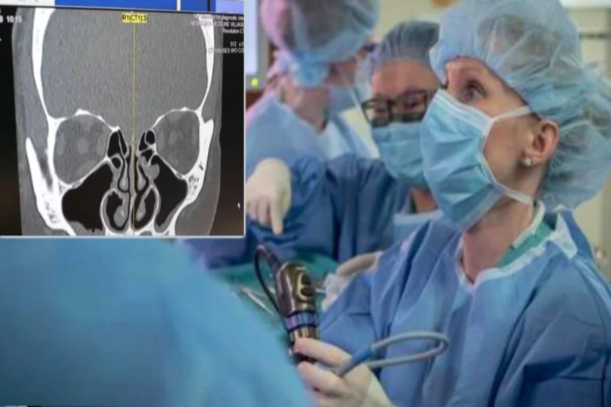 medici guardano la tac