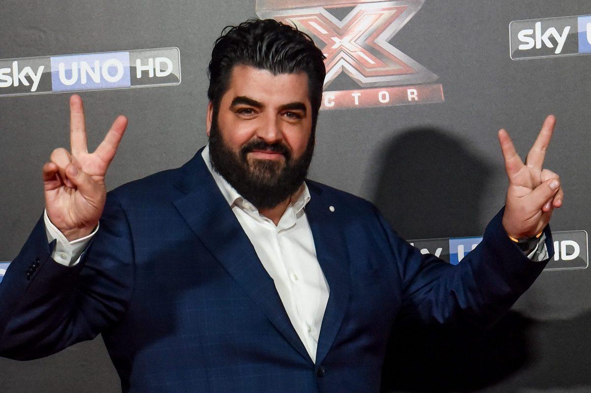 Antonino Cannavacciuolo sul red carpet per evento di inaugurazione X Factor