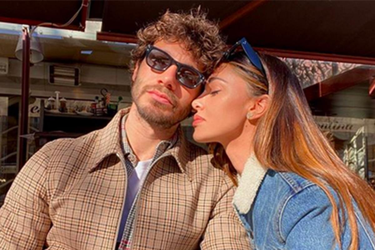 Selfie di Belen e Stefano