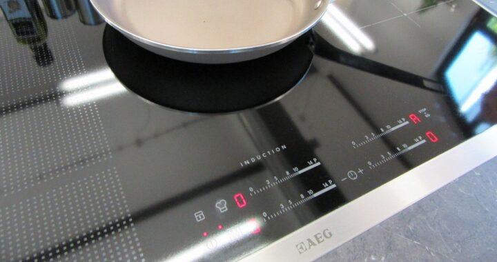 Come pulire i fornelli a induzione senza rovinarli