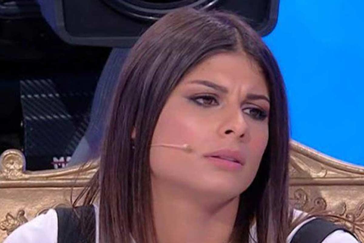 Giulia Cavaglia sul trono di Uomini e Donne