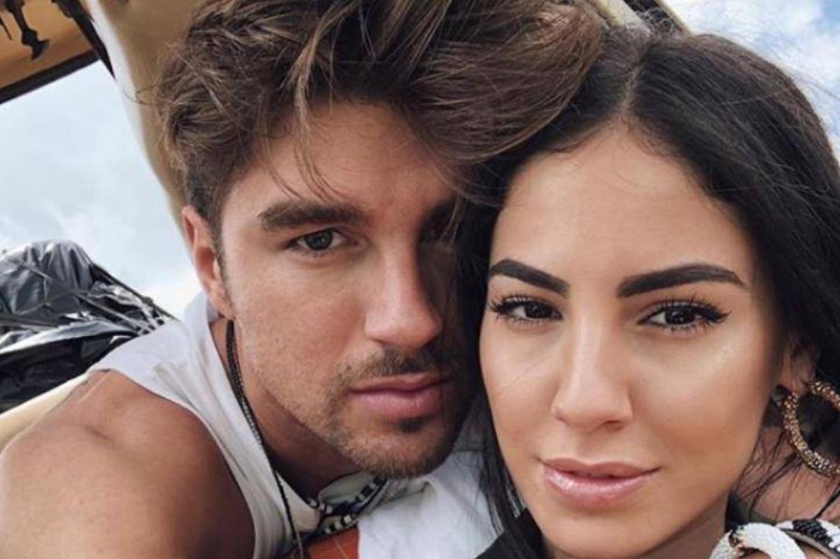 Selfie Andrea Damante e Giulia De Lellis