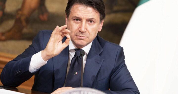 Giuseppe Conte in conferenza