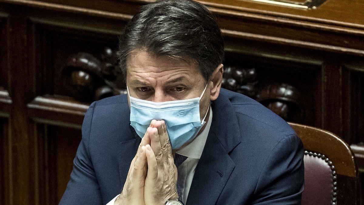 Foto Giuseppe conte lockdown