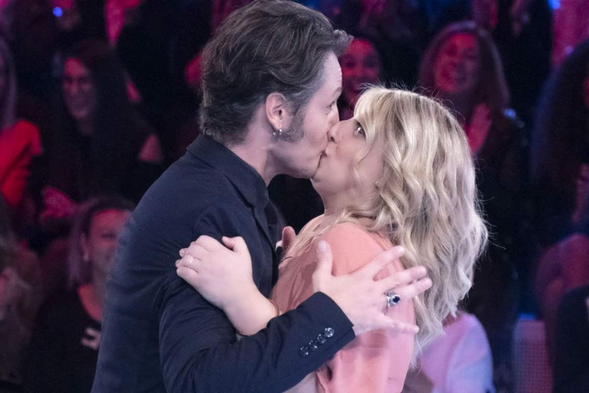 Angelo Pisani e Katia Follesa bacio