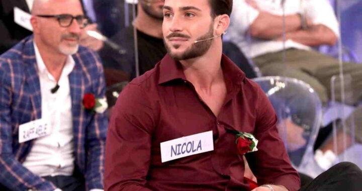 Nicola Vivarelli sulla sedia di Uomini e Donne