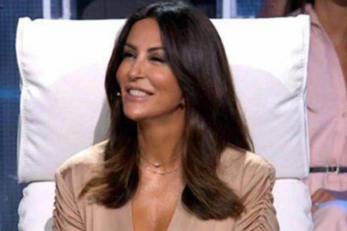 Sabrina Ferilli sorridente