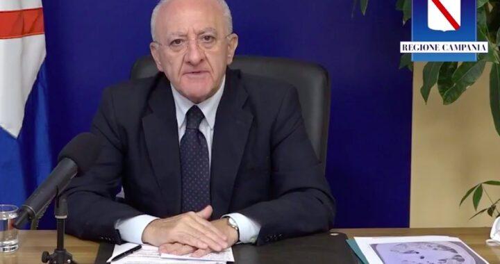 Vincenzo De Luca in diretta su Facebook