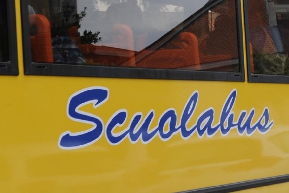 bimbo dimenticato scuolabus