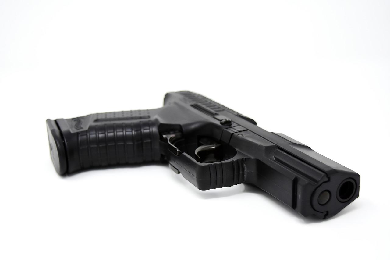 Pistola giocattolo o pistola vera?