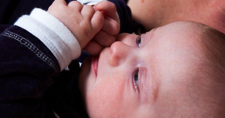 Stimolare la cacca nel neonato