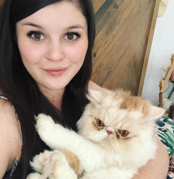 Emily May Casey e il gatto