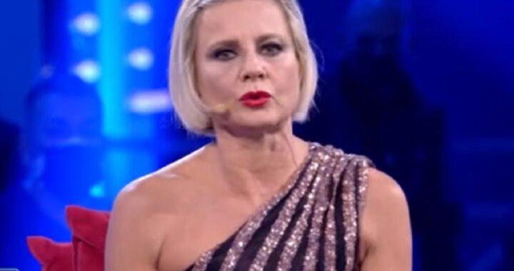 """GF Vip: Antonella Elia a Elisabetta Gregoraci: """"Sembri una gatta in calore"""""""