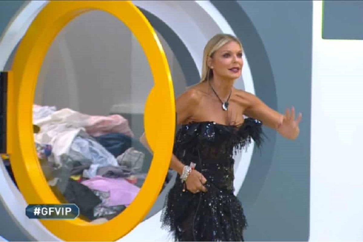 Il web contro Matilde Brandi: spuntano accuse pesanti