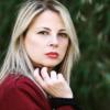 Emanuela Panatta vestito rosso primo piano