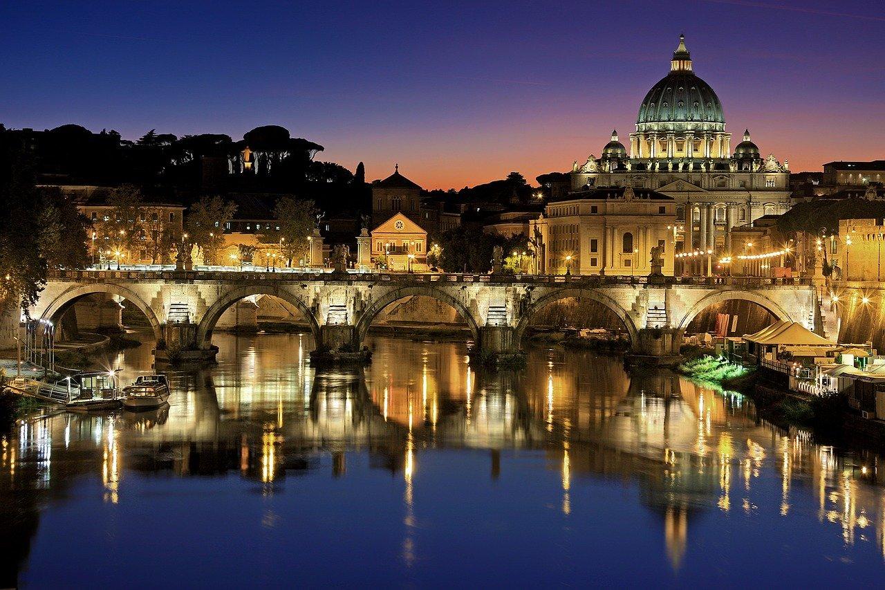 Roma chiusa di notte