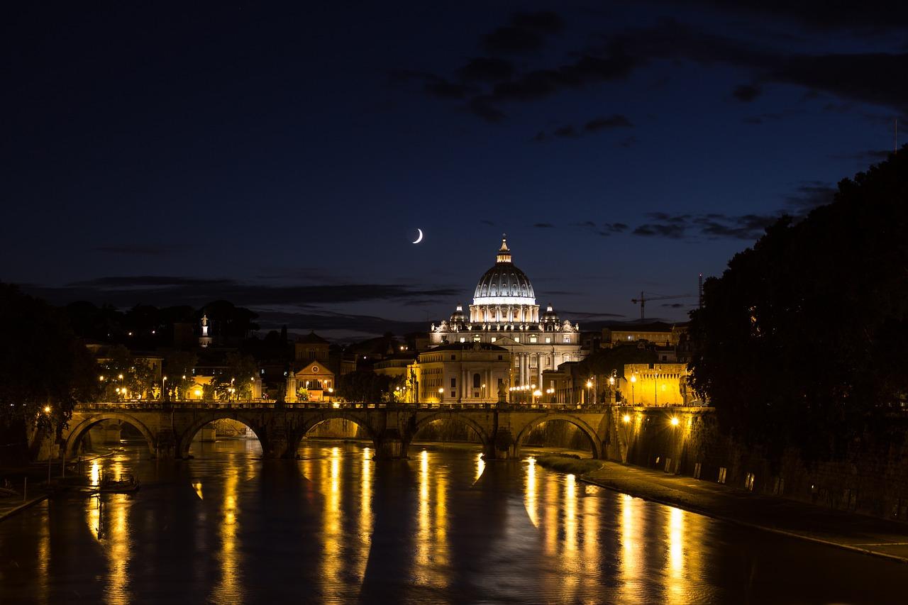 La Città eterna di notte