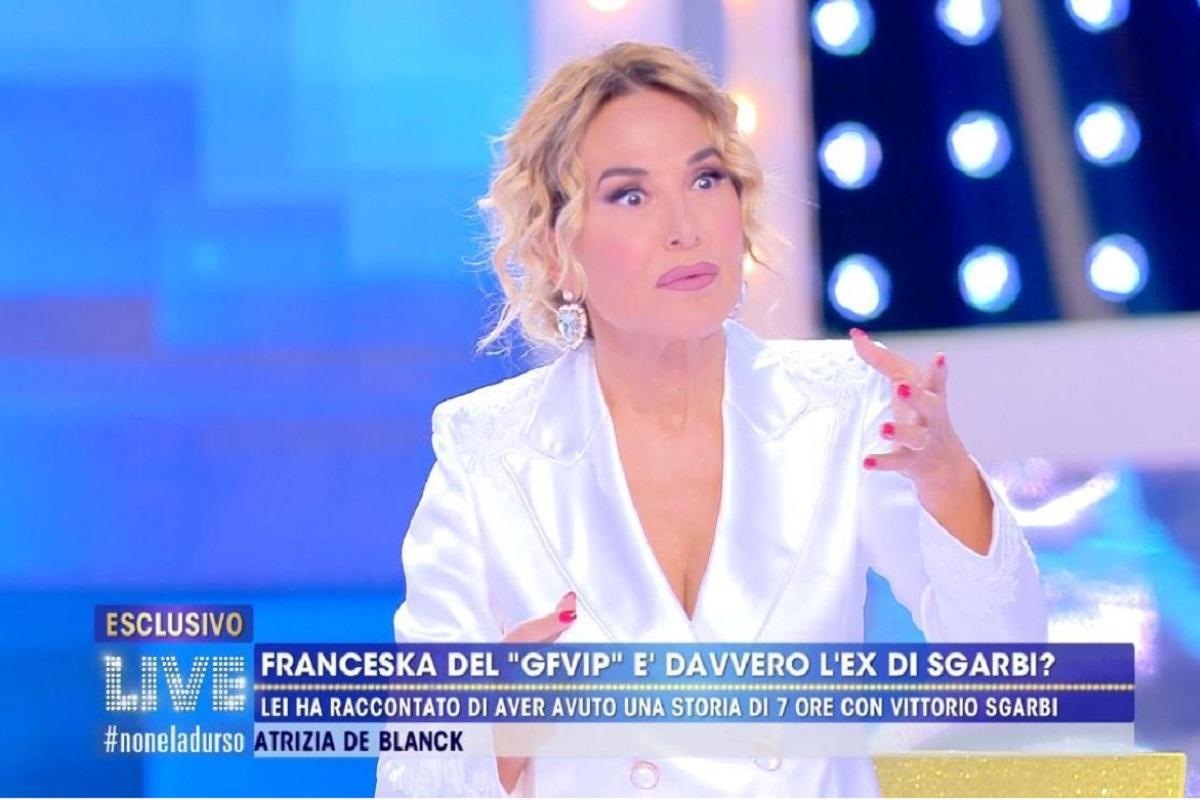 striscia la notizia smaschera Barbara D'Urso