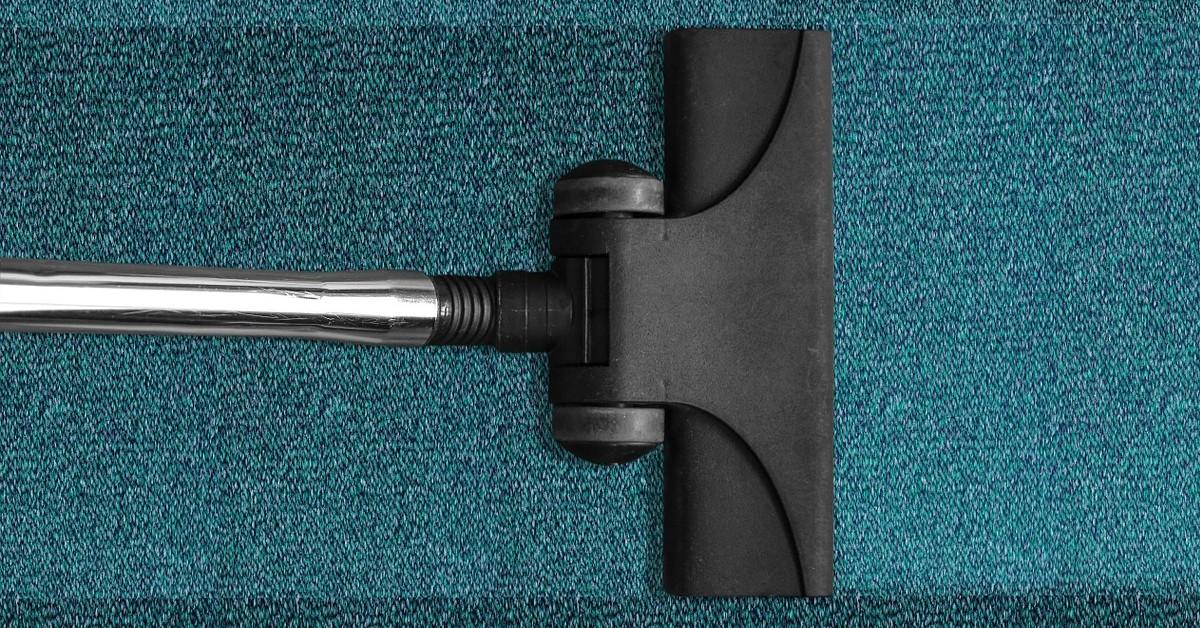 Come pulire i tappeti in fibra sintetica