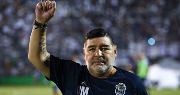 Diego Armando Maradona è caduto e ha battuto la testa pochi giorni prima di morire: le indagini