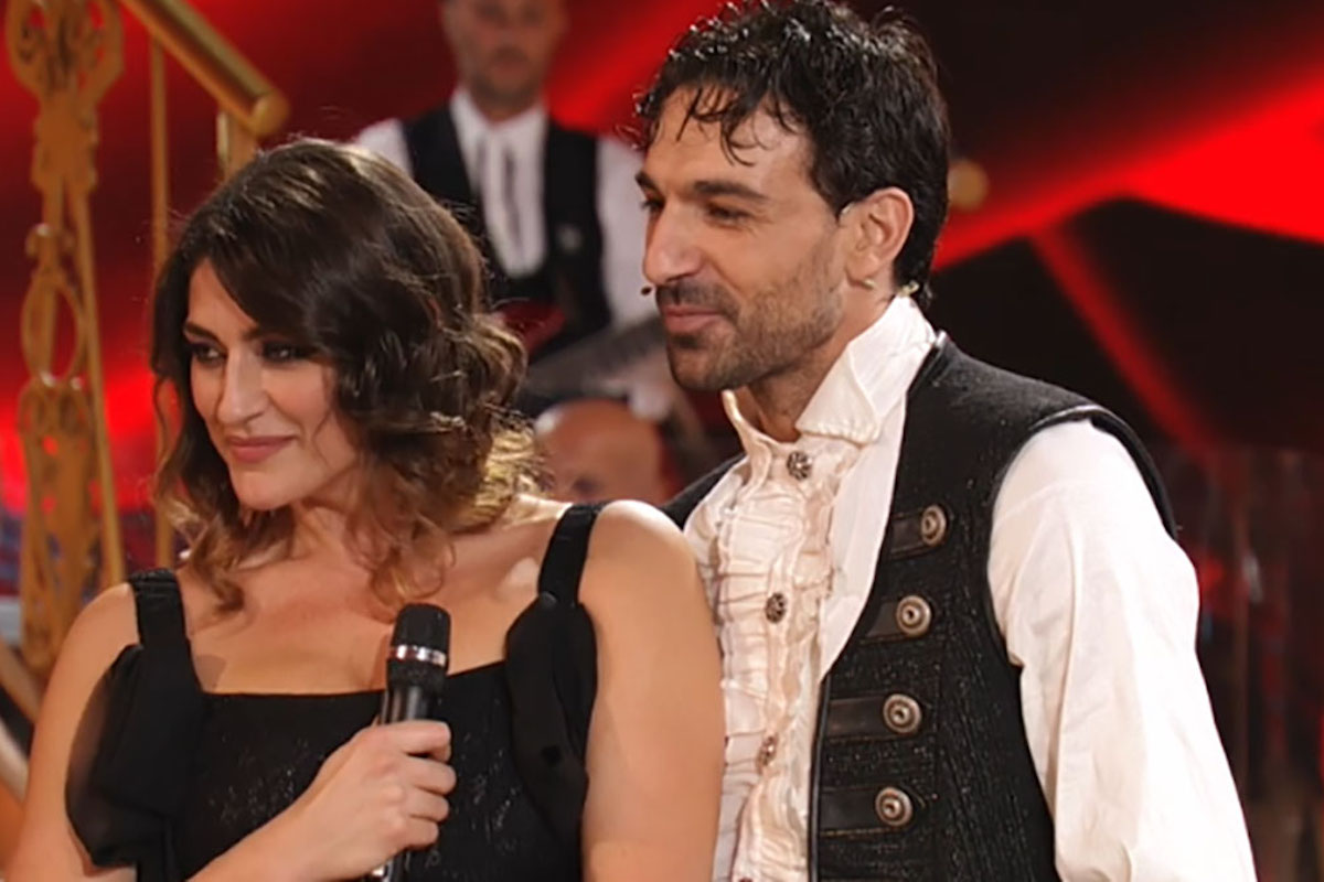Todaro e Isoardi Elisa sorridenti a Ballando
