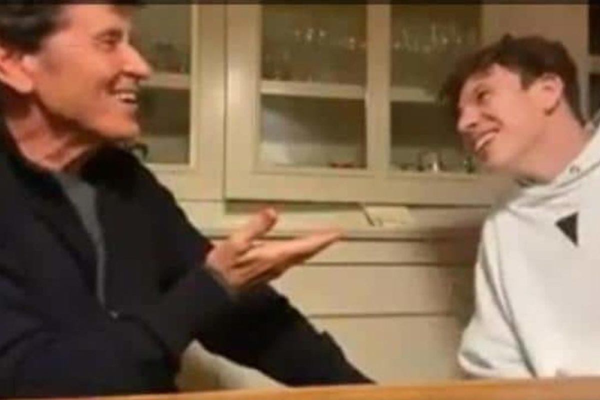 Il nipote Giovanni imita Gianni Morandi